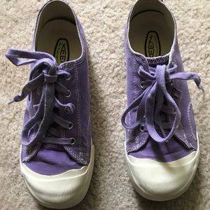 Keen- Girl's Canvas- 4Y- Purple- White